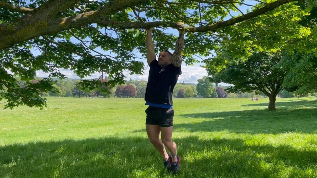 Hanging Leg Raises – Outdoors