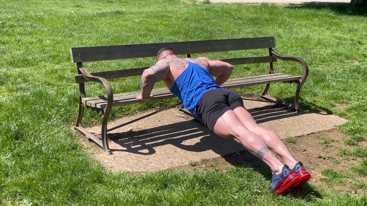 Incline Press Ups – Outdoors